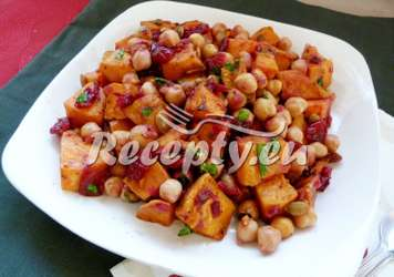 Cizrnový salát s bramborami Luštěniny