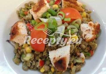 Čočkový salát s masem a kukuřicí