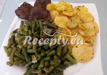 Zelené fazolky s rozmarýnovým bramborem