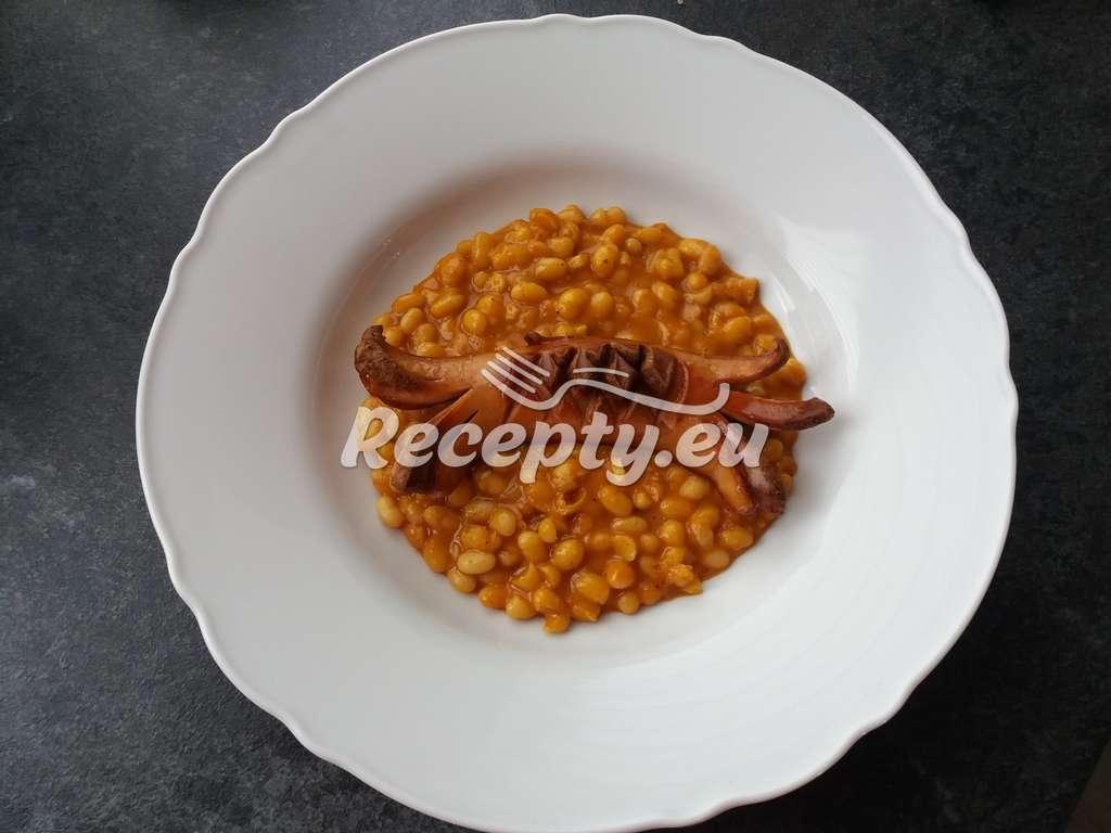Bretaňské fazole s párkem