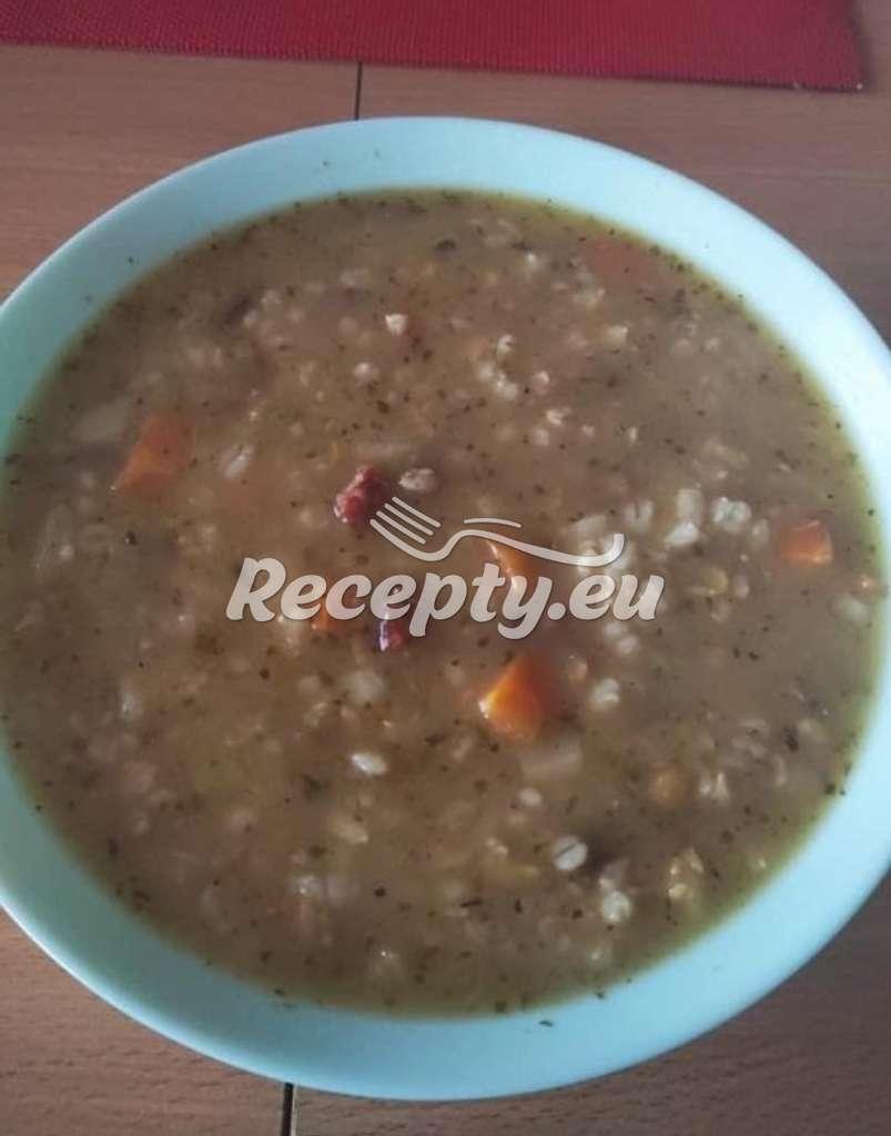Čočkovo - kroupová polévka s houbami