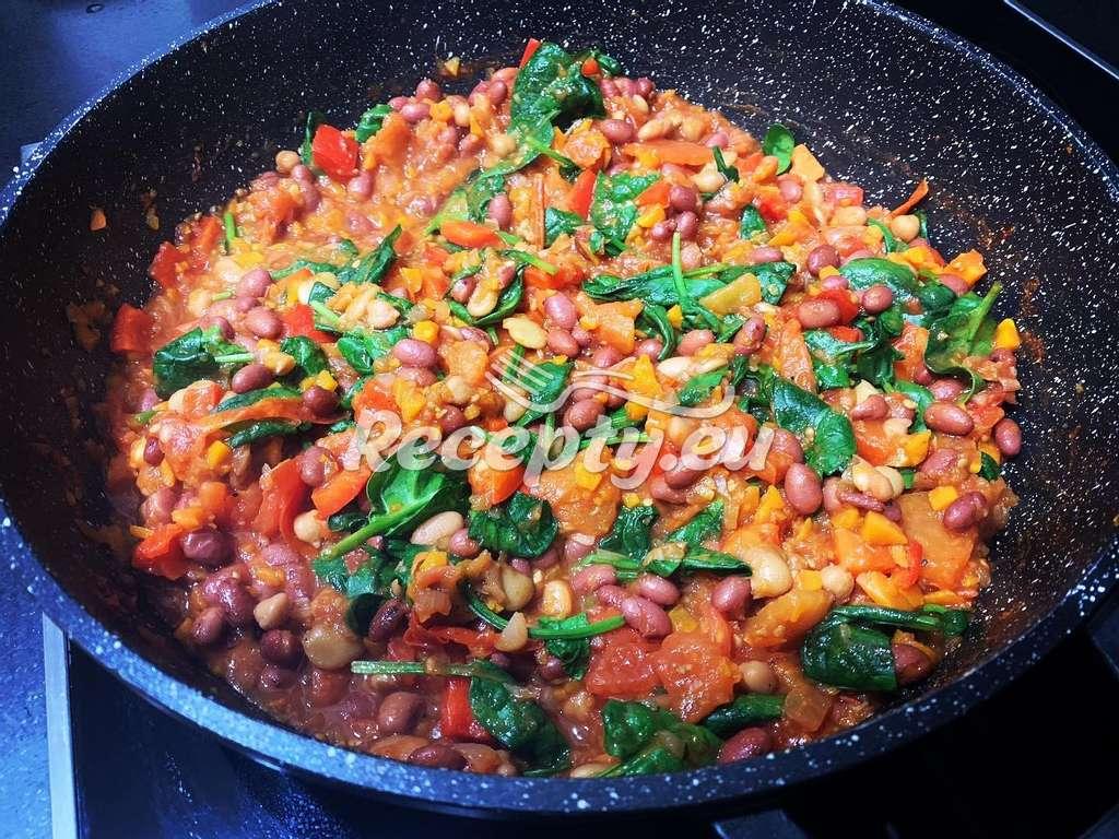 Dušené fazole s olivami