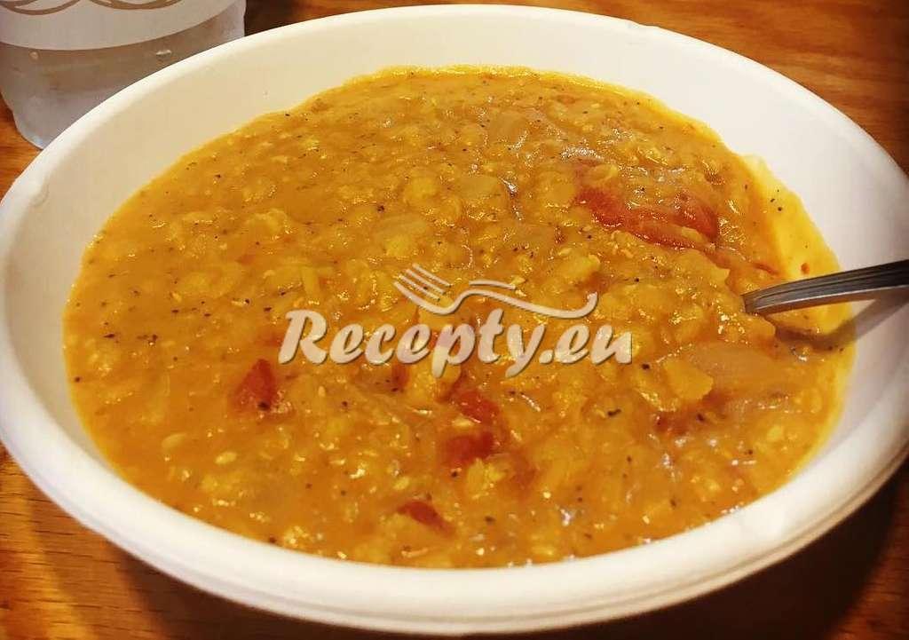 Pikantní čočka s paprikou