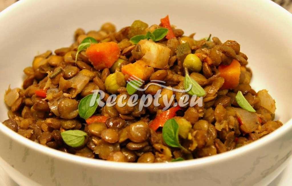 Pikantní čočka se zeleninou